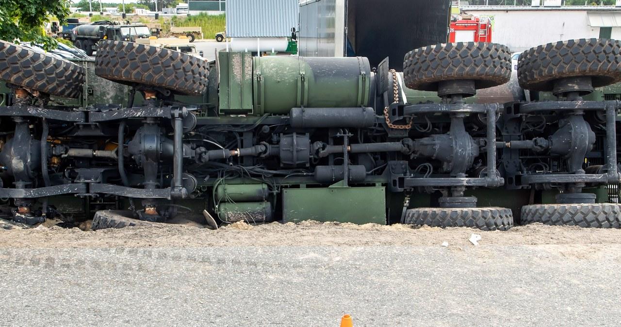 Wypadek amerykańskiej cysterny wojskowej na DK 10
