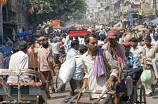 Wypadek autobusu w Indiach. 29 ofiar śmiertelnych
