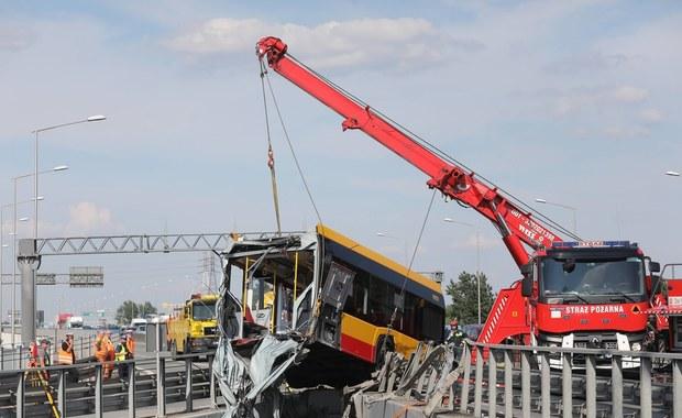 Wypadek autobusu w Warszawie: Kolejne kontrole firm transportowych