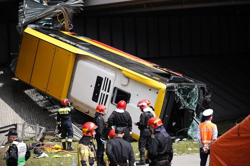Wypadek autobusu w Warszawie. Ofiarą starsza kobieta /Mateusz Wlodarczyk /Agencja FORUM