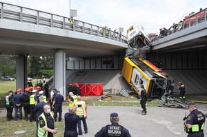 Wypadek autobusu w Warszawie. Poważne utrudnienia w ruchu