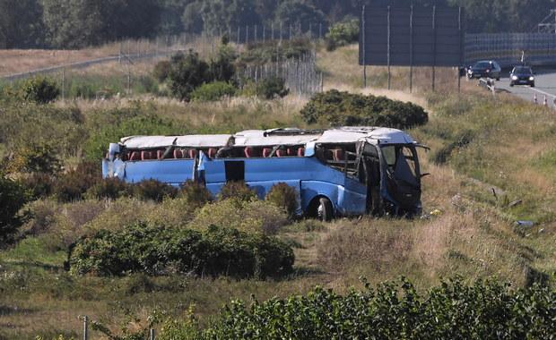 Wypadek autobusu z dziećmi na A1. Kierowcy grozi 10 lat więzienia