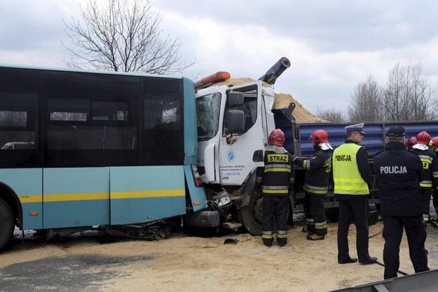 Wypadek autobusu /Andrzej Grygiel /PAP