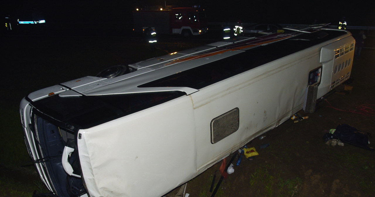 Wypadek autokaru na obwodnicy Słupska