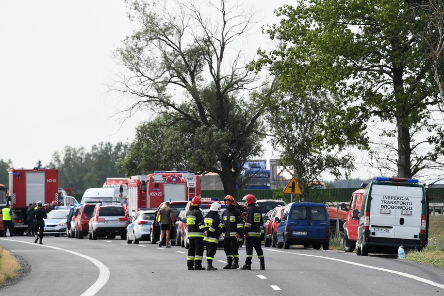 Wypadek autokaru w Konstantynowie /Tytus Żmijewski /PAP