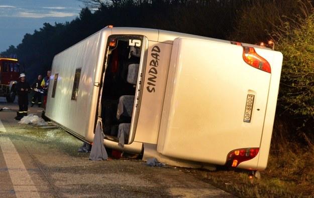 """Wypadek autokaru w Niemczech. """"Kierowca prawdopodobnie zasnął"""""""