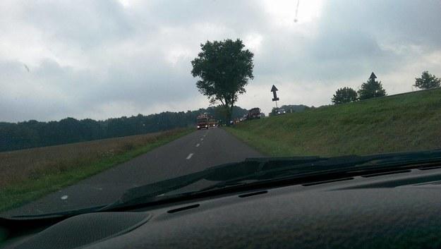 Wypadek busa koło Nekli, zdjęcie przesłane przez użytkownika Tufi /INTERIA.PL