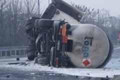 Wypadek cysterny, ewakuowano ponad 70 osób