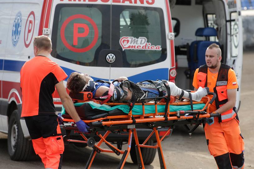 Wypadek, jakich wiele w zawodach juniorskich /Wojciech Szubartowski /Newspix