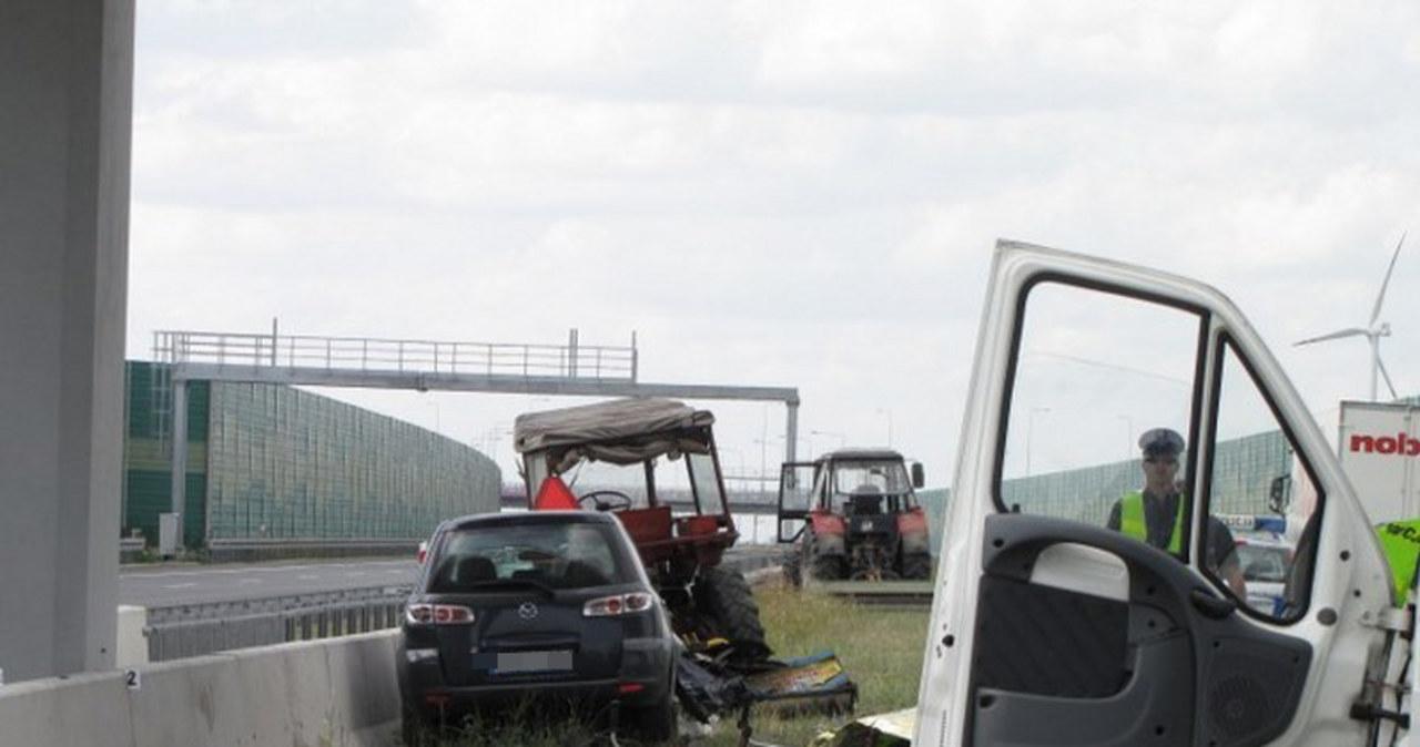 Wypadek na A1. Kierowca mógł zasnąć za kierownicą