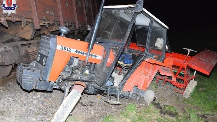 Wypadek na niestrzeżonym przejeździe kolejowym /KMP Kielce /