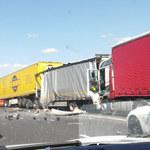 Wypadek na obwodnicy Poznania. Zderzyły się 4 ciężarówki i dwa auta osobowe