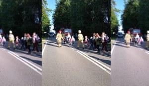 Wypadek na Pomorzu. Autokar wiozący dzieci zderzył się z busem