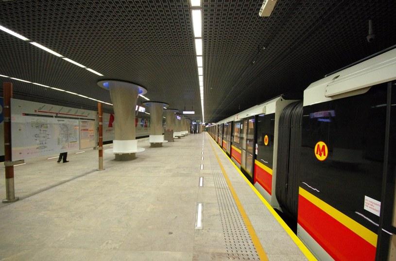 Wypadek na stacji metra Rondo ONZ /Marek Bazak /East News