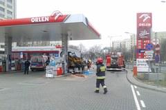 Wypadek na warszawskiej stacji paliw