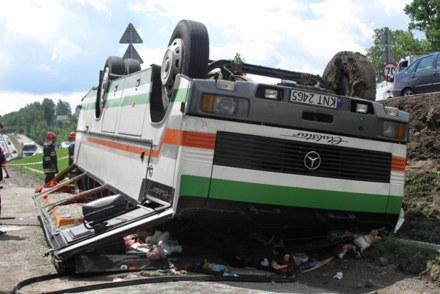 """Wypadek na """"zakopiance"""". Fot. Maciej Grzyb /RMF"""