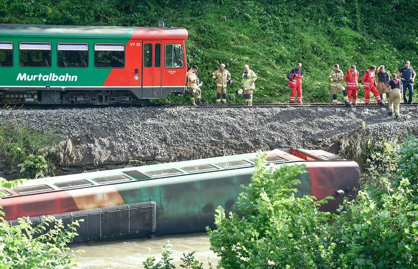 Wypadek pociągu w Alpach /AFP