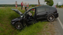 Wypadek podczas wyprzedzania skręcającego auta
