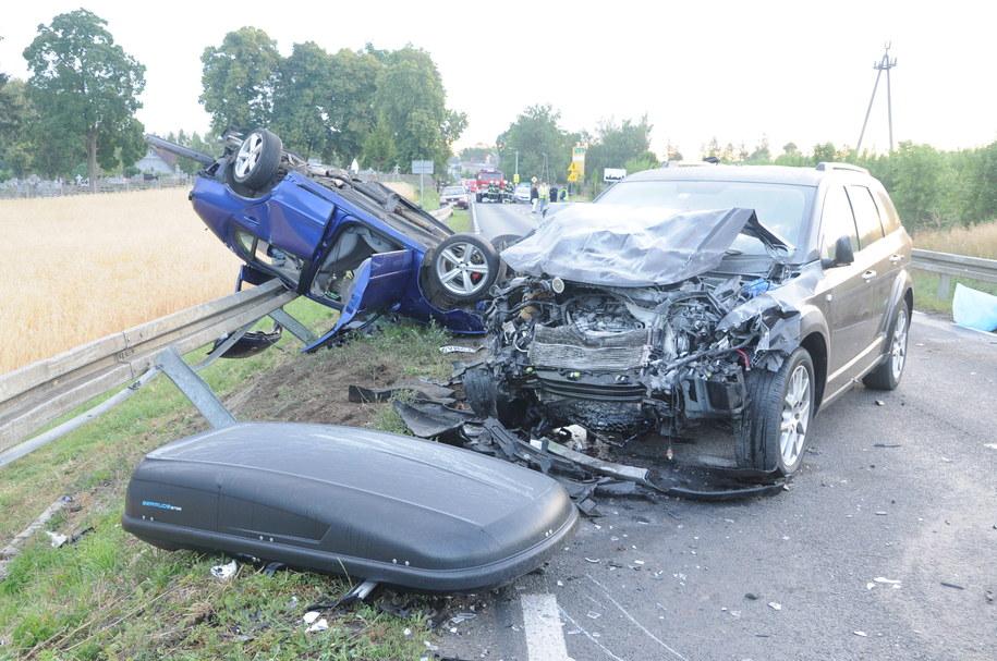 Wypadek w Brdowie: Zginęło 5 osób, szósta walczy o życie w szpitalu /Policja /PAP