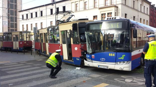Wypadek w Bydgoszczu /twitter.com/jaroslawlewando /