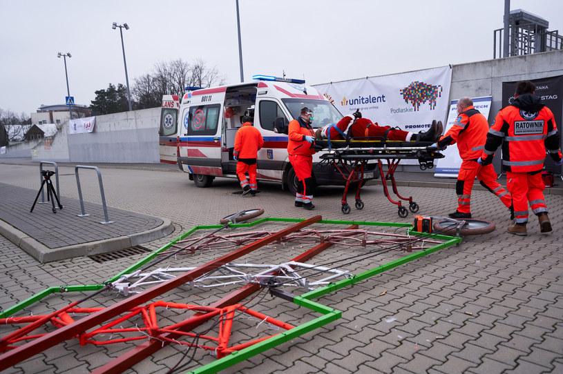 Wypadek w czasie bicia rekordu Guinnessa /Anatol Chomicz /Agencja FORUM