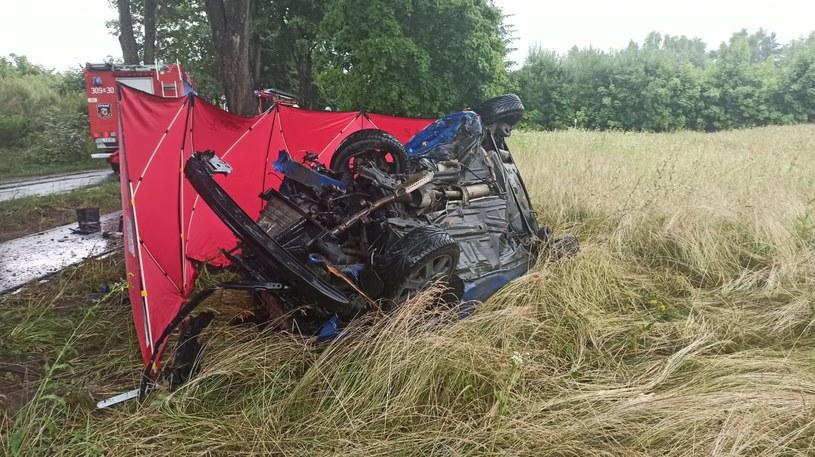 Wypadek w Jonkowie /KM PSP Olsztyn /materiały prasowe
