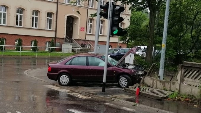 Wypadek w Wałbrzychu /Policja /Policja