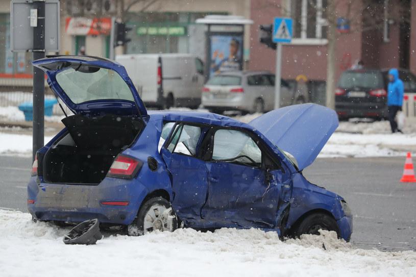 Wypadek w Warszawie z udziałem pojazdu SOP /Piotr Molecki/East News /East News