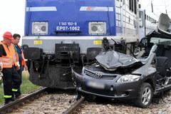 Wypadek w Wierzawicach. Zderzenie pociągu z samochodem