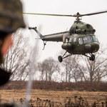 """Wypadek wojskowego śmigłowca w Latkowie. """"Z małej wysokości uderzył w ziemię"""""""