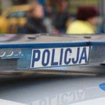 Wypadek z udziałem karetki w Warszawie. Dwie osoby ranne
