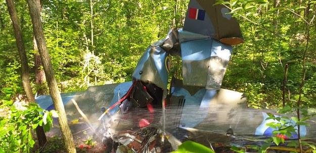 Wypadek zabytkowego samolotu w miejscowości Napoleon. Pilot zginął na miejscu