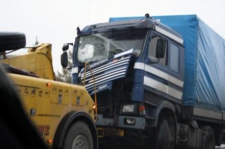 Wypadki z udziałem ciężarówek są tragiczne w skutkach /INTERIA.PL