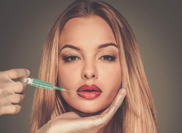 Wypełniacz ust to kosmetyk zawierający m.in. kwas hialuronowy /123RF/PICSEL