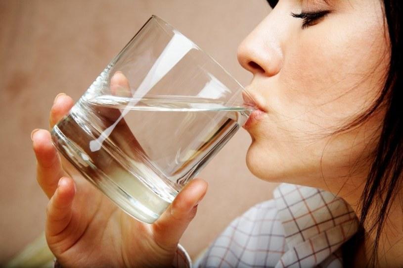 Wypij szklankę wody /© Photogenica