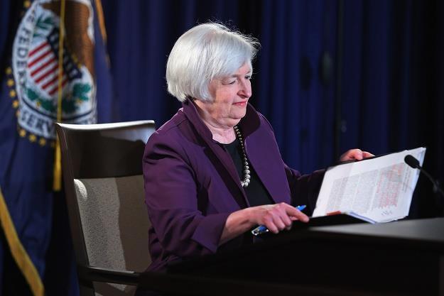 Wypowiedzi prezesów Fed umacniają dolara /AFP