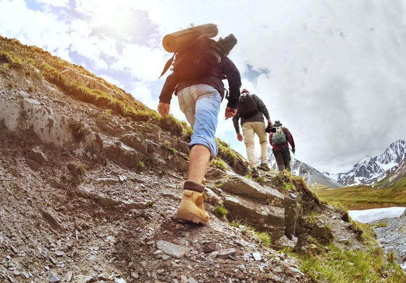 Wyprawa w góry może dostarczyć nam wspaniałych przeżyć, wystarczy odpowiednio się przygotować /123RF/PICSEL