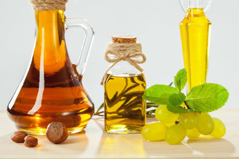 Wypróbuj różne rodzaje olejów /123RF/PICSEL