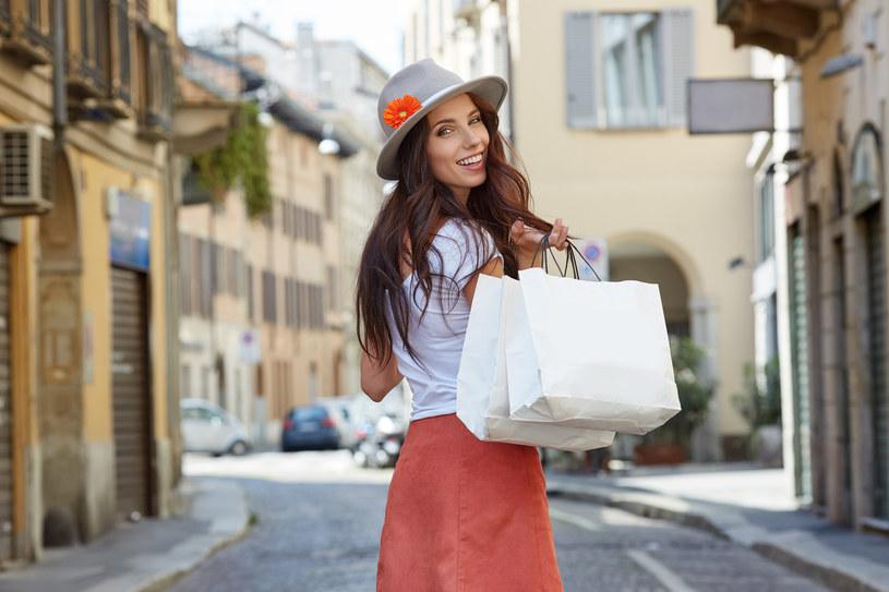 Wyprzedaże to dobry moment na odwiedzenie sklepów /Styl.pl/materiały prasowe