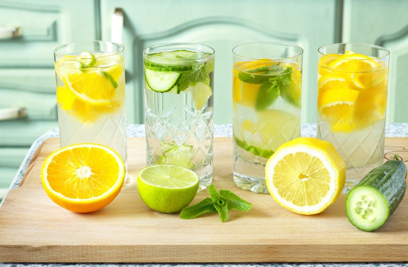 Wyrób sobie nawyk picia wody. Efekty zauważysz już po miesiącu /123RF/PICSEL
