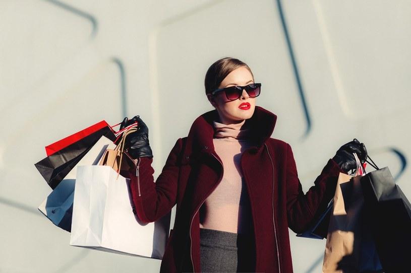 Wyruszając na zakupy zawsze miej na uwadze swoją sytuację finansową /materiały promocyjne