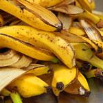 Wyrzucasz skórki banana? To błąd, bo warto je... jeść
