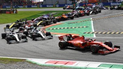Wyścig o Grand Prix Włoch /DANIEL DAL ZENNARO  /PAP/EPA