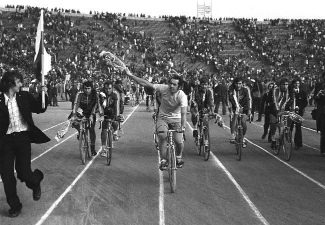 Wyścig Pokoju z 1975 roku. Na czele Ryszard Szurkowski / Zbigniew Matuszewski /PAP