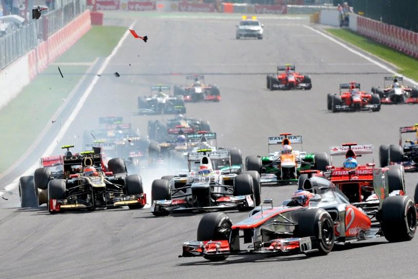 Wyścig zaczął się od poważnego karambolu /AFP