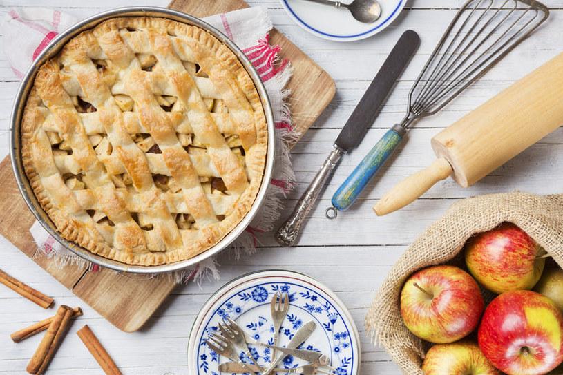 Wyśmienity przepis na pyszne ciasto z jabłkami /123RF/PICSEL