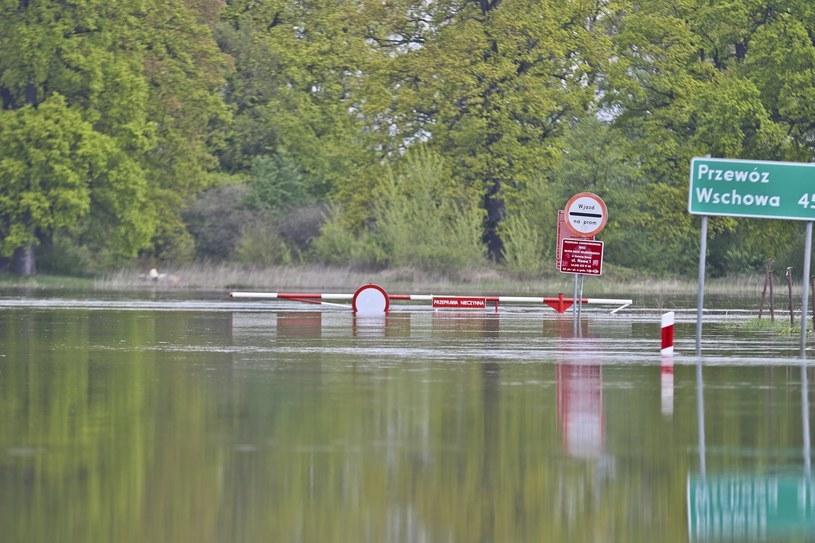 Wysoki stan Odry był konsekwencją intensywnych opadów deszczu, /Piotr Jędzura /Reporter