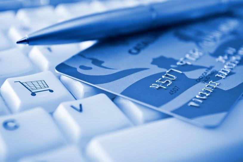 Wysokość RRSO wiele mówi o koszcie kredytu /123RF/PICSEL