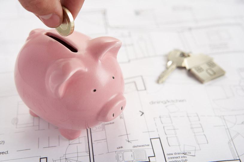 Wysokość stawki referencyjnej WIBOR wpływa na koszt kredytu /Monkey Business Images /© Glowimages