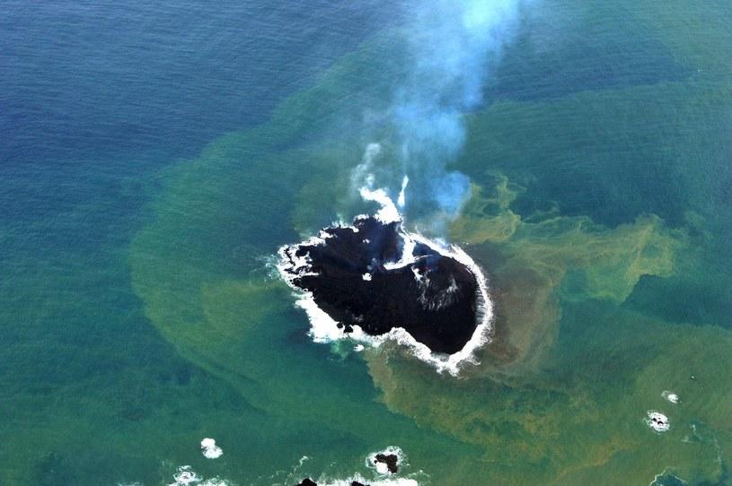 Wyspa ciągle rośnie /AFP